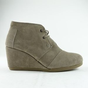 TOMS Women Desert Taupe Suede Wedge Booties R13S12